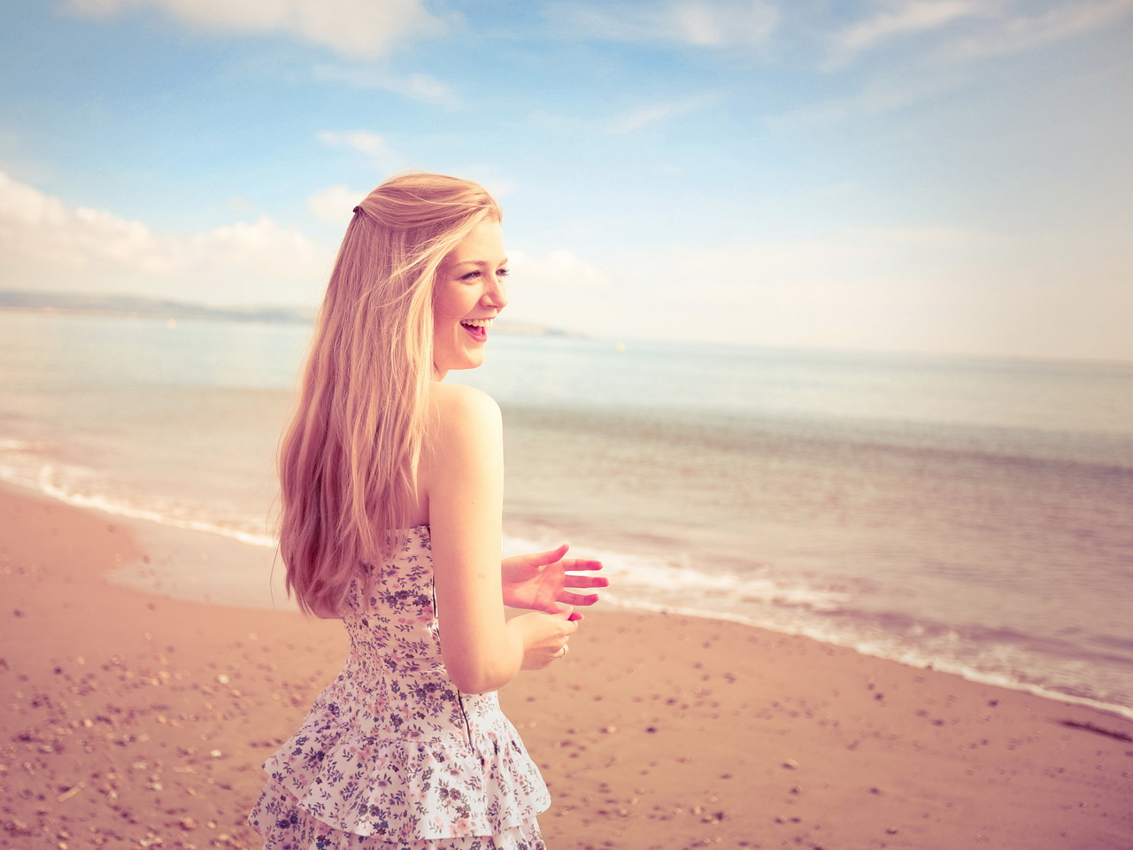 Картинки девушек летом на пляже