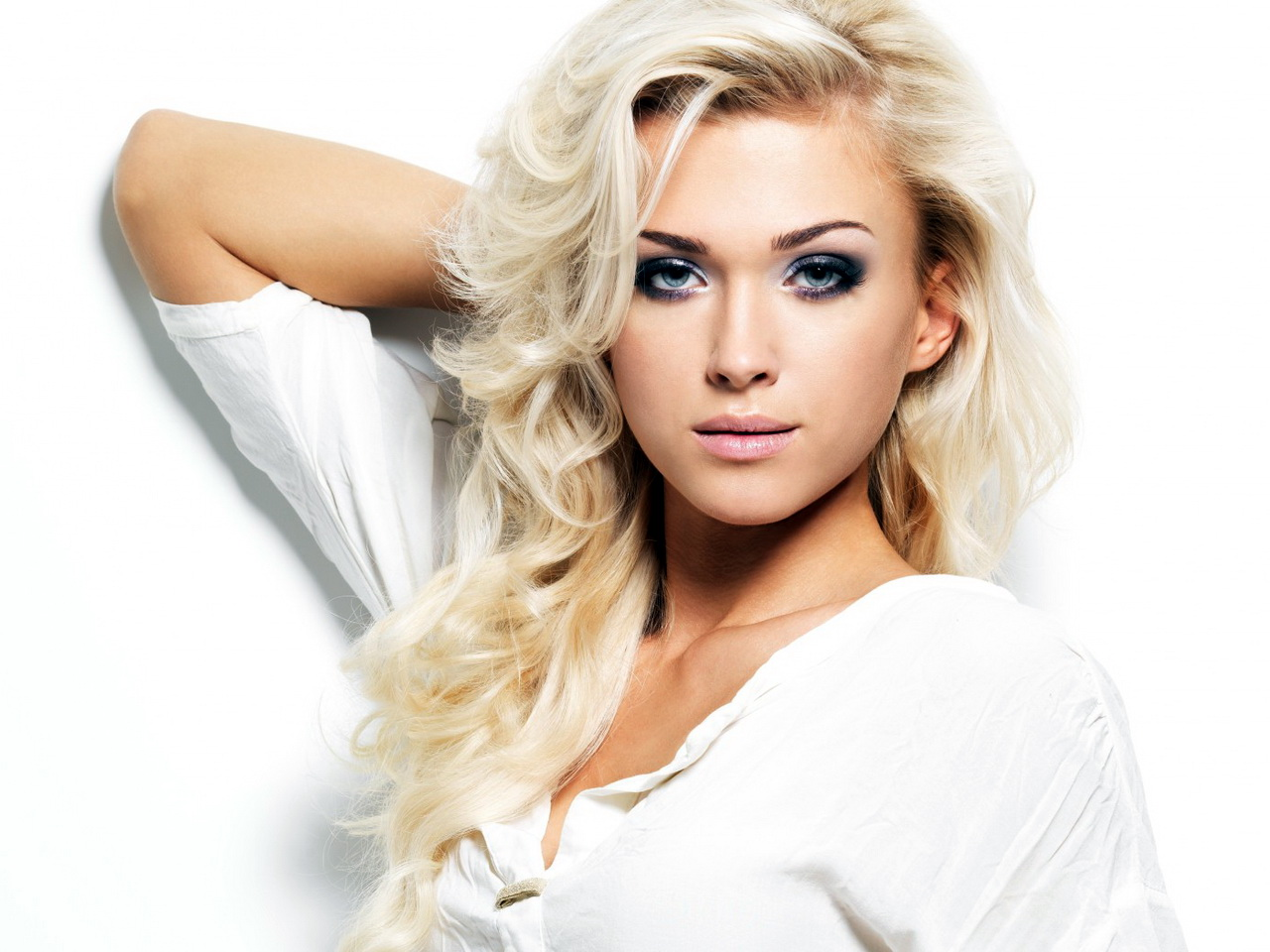 Фото блондинка с косой 13 фотография