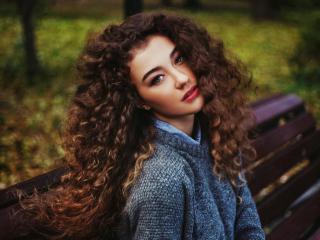 Вьющимся волосам – особый уход